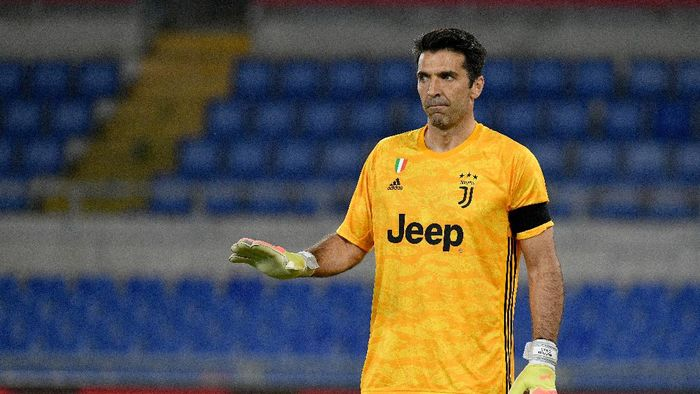 ROME, ITALY - JUNE 17: Gianluigi Buffon of Juventus looks on during the Coppa Italia Final match between Juventus and SSC Napoli at Olimpico Stadium on June 17, 2020 in Rome, Italy.  (Photo by Marco Rosi/Getty Images)
