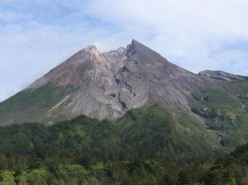 Wahai Para Pendaki, Jalur Sapu Angin Gunung Merapi Masih Tutup