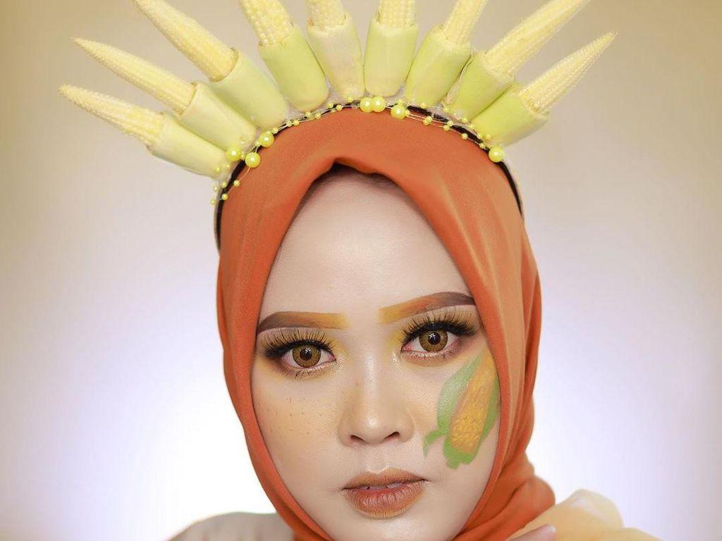 Konsep Makeup Unik Terinspirasi dari Terong, Telur dan Cabai
