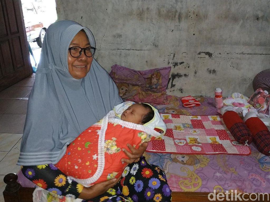 Bayi Masih Hidup Ditemukan Terbuang di Teras Rumah Warga Pacitan