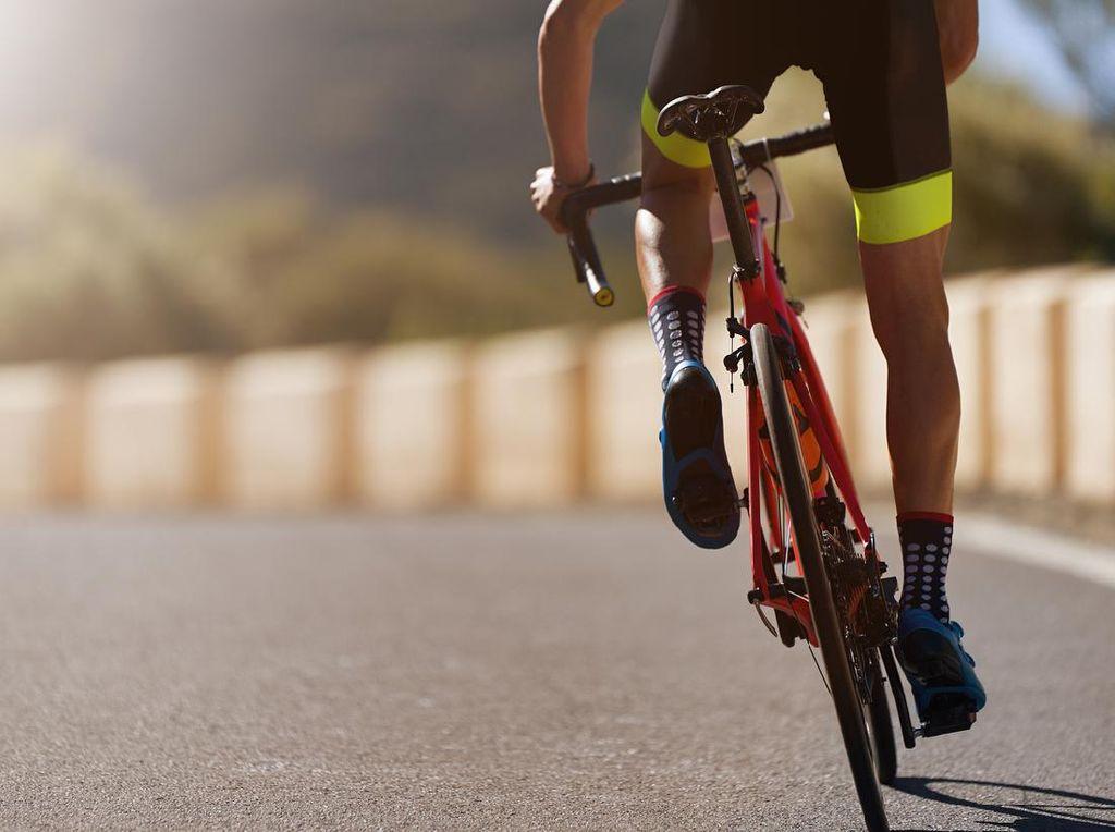 Anies Ingin Road Bike Boleh Masuk Tol, Setuju atau Tidak?