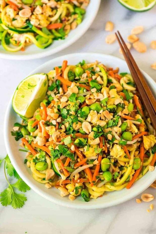 Makanan yang berbahan dasar dari tumisan mie beras.