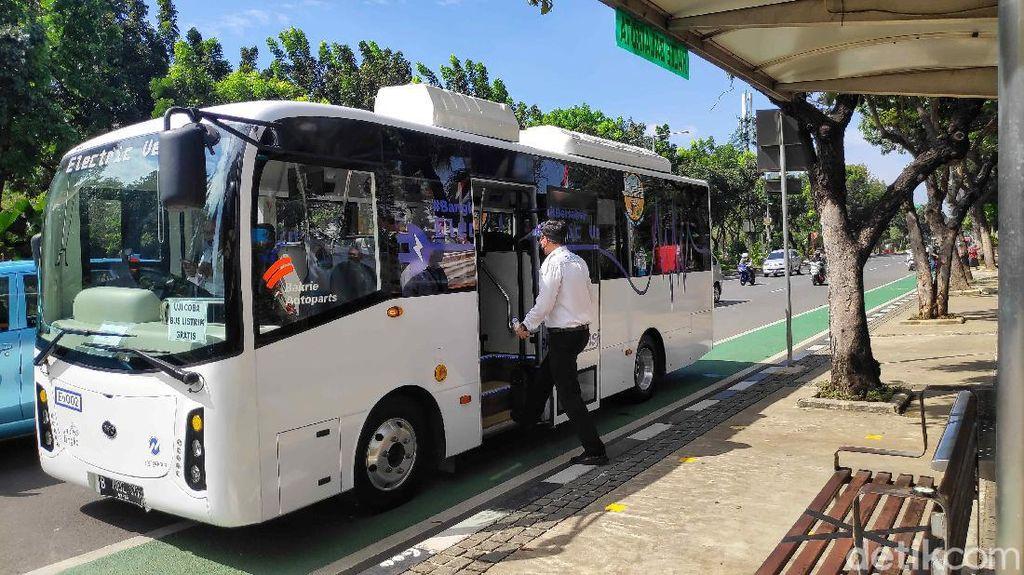 Keren! TransJ Uji Coba Bus Listrik di Ibu Kota