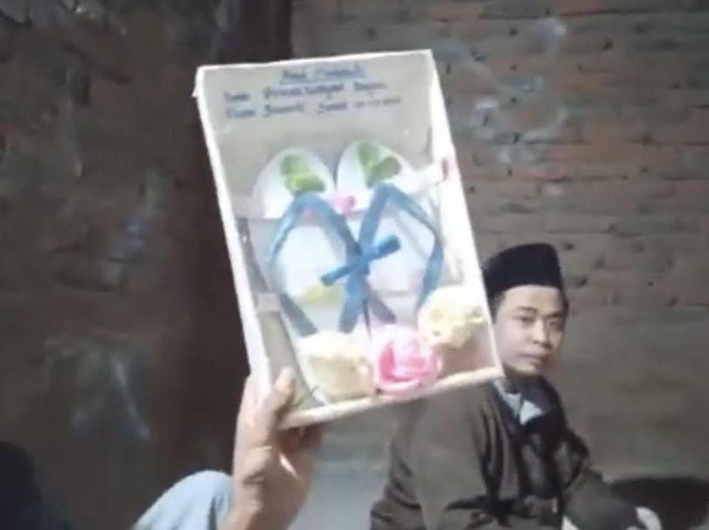 Viral Pria Lombok Nikahi Model Hanya dengan Mahar Sandal Jepit & Segelas Air