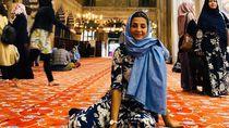 Kisah Wanita yang Dulu Pengungsi, Kini Jadi Pemain Bola & Calon Dokter Bedah