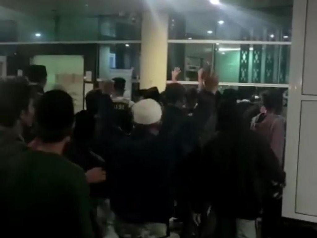 Keluarga Ambil Paksa Jenazah Corona di RSUD Mataram Diminta Jalani Rapid Test
