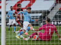 26 Tendangan yang Tak Menjadi Gol Manchester City