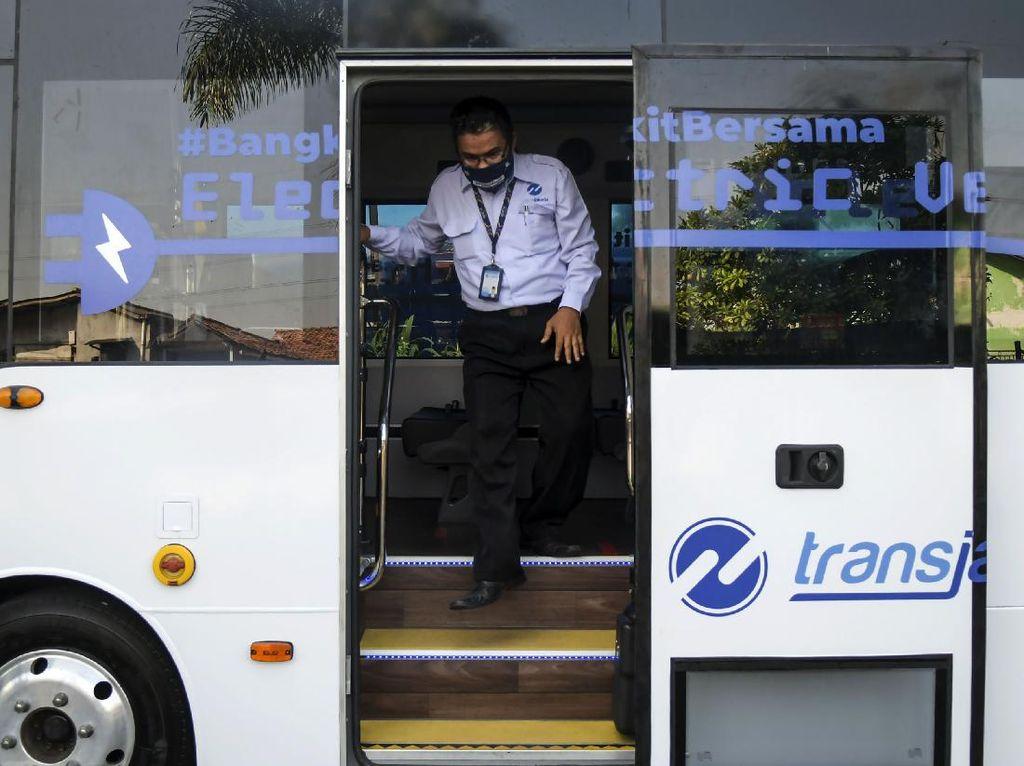 Video Transjakarta Uji Coba Bus Listrik Selama 3 Bulan