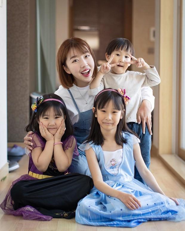 Kolaborasi Sunny Dahye bersama Kimbap Family yang sama-sama tinggal di Korea Selatan.