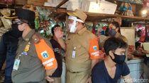 Awasi Pasar Minggu, ASN Ingatkan Protokol Kesehatan-Larangan Kantong Plastik