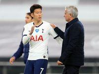 Mourinho Malah Senang Lihat Lloris & Son Ribut