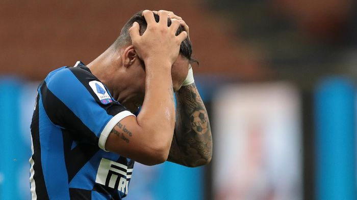 MILAN, ITALY - JUNE 24:  Lautaro Martinez of FC Internazionale reacts during the Serie A match between FC Internazionale and US Sassuolo at Stadio Giuseppe Meazza on June 24, 2020 in Milan, Italy.  (Photo by Emilio Andreoli/Getty Images)
