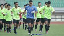 Video Timnas U-16 Jalani Rapid Test dan Latihan di Stadion