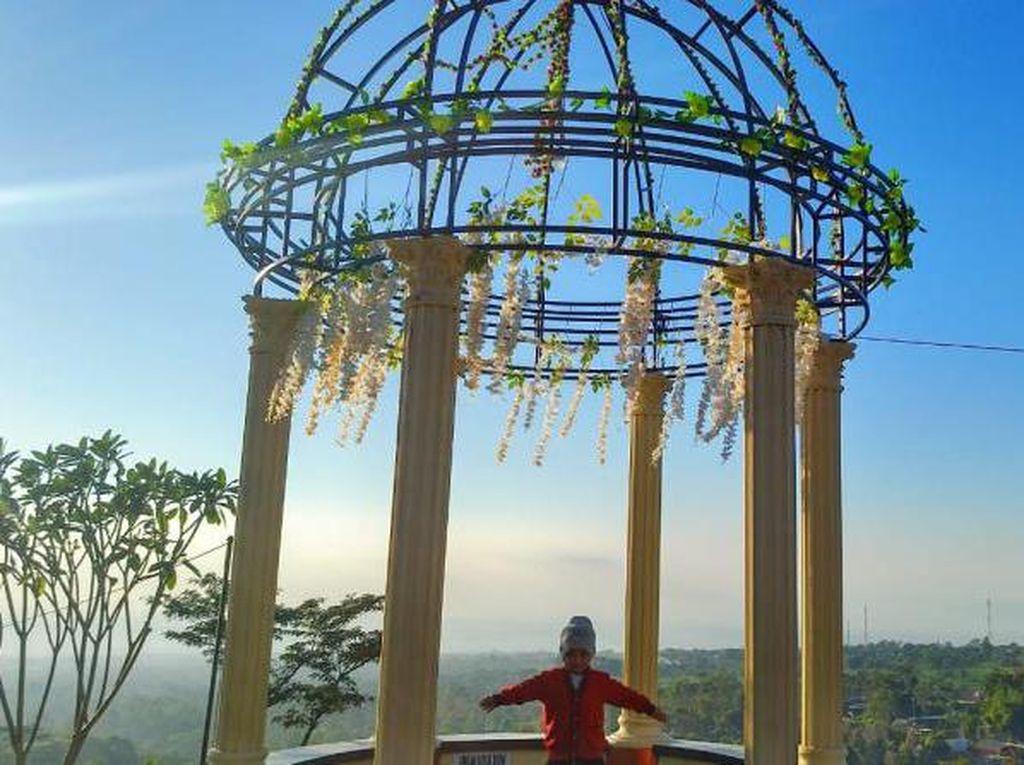 Berburu Sunrise di Wisata Taman Irung Petruk