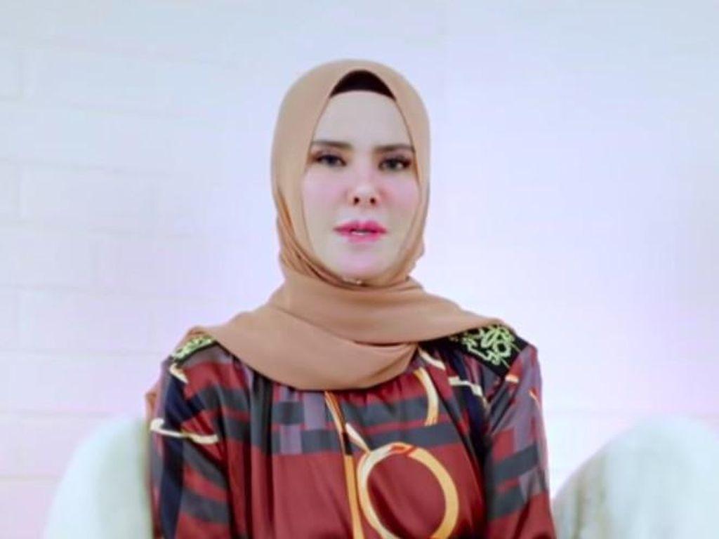Tangis Ibunda Vicky Prasetyo Lihat Video Penggerebekan Angel Lelga