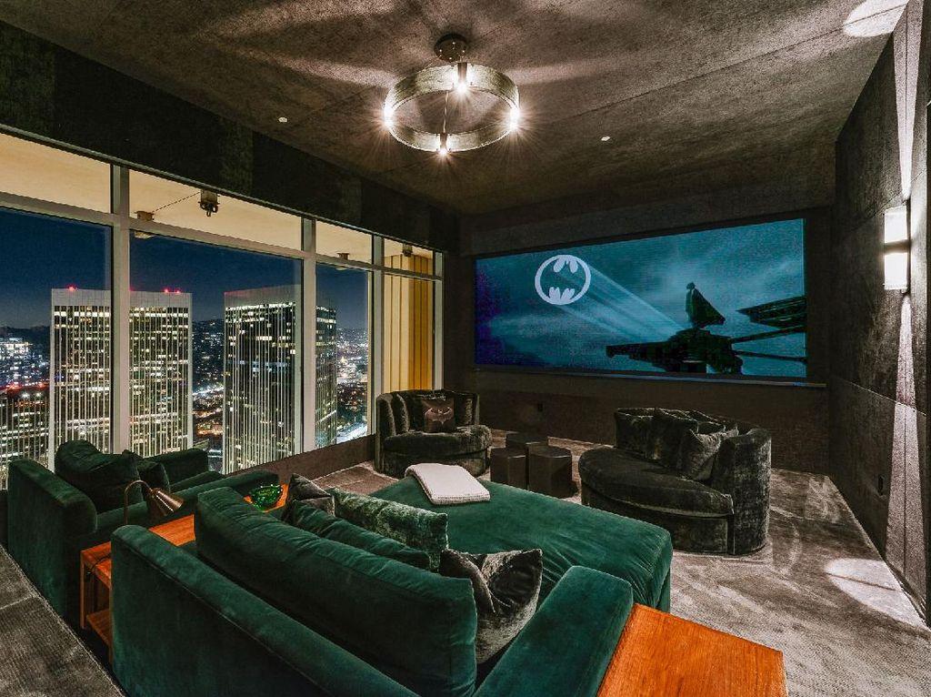 Foto Penthouse Mewah Bintang Friends di Lantai 40, Terinspirasi Gua Batman