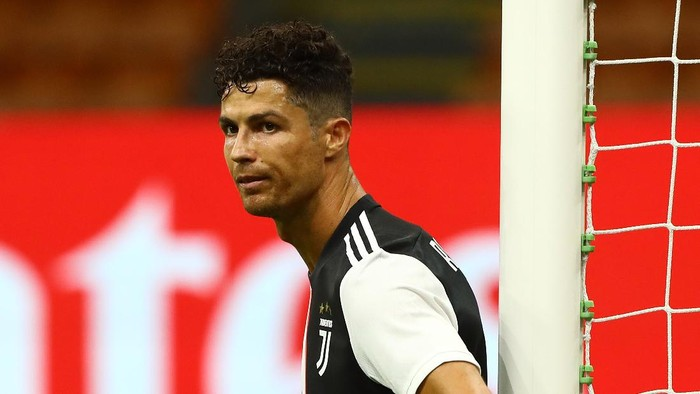 MILAN, ITALY - JULY 07:  Cristiano Ronaldo of Juventus FC shows his dejection during the Serie A match between AC Milan and Juventus at Stadio Giuseppe Meazza on July 7, 2020 in Milan, Italy.  (Photo by Marco Luzzani/Getty Images)
