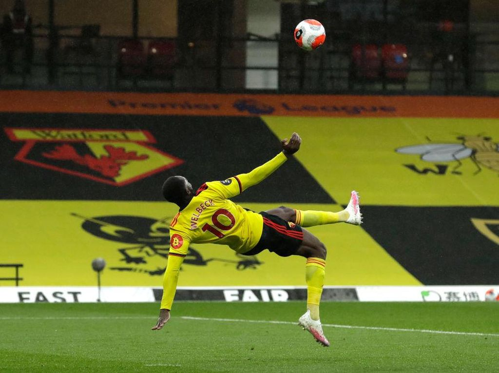 Danny Welbeck Cetak Gol Indah, Sebut-sebut Manchester United