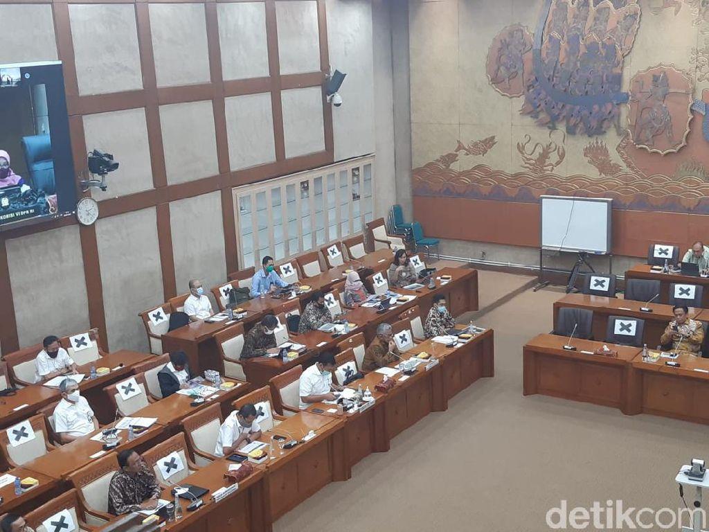 DPR Panggil Dirut Krakatau Steel hingga PTPN Bahas Dana Talangan