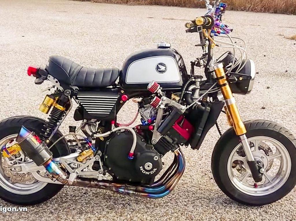 Gokil! Motor Kuntet Honda Monkey Jadi 4 Silinder, Suaranya Mirip Moge