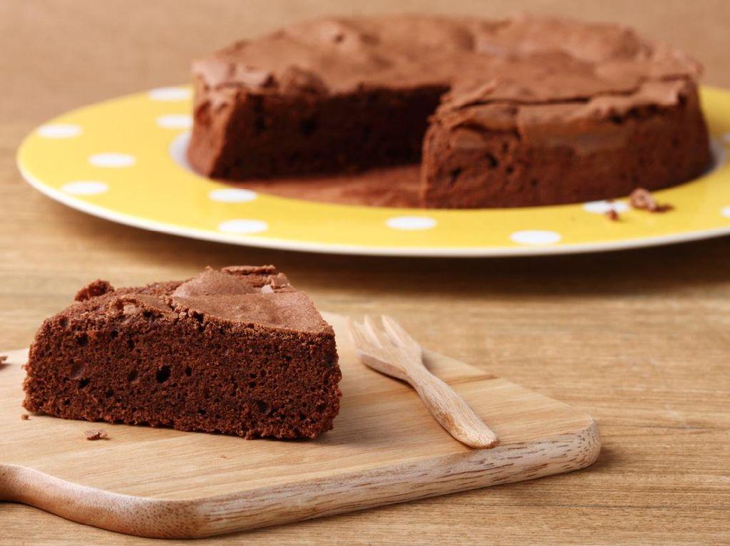 Resep Cake Cokelat Tanpa Terigu, Cukup 10 Menit