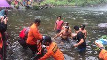 Remaja Hanyut Saat Mandi di Air Terjun Jambi Ditemukan Tewas