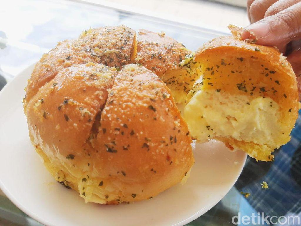Korean Garlic Cheese Bread Bisa Dibeli Online di 5 Tempat Ini