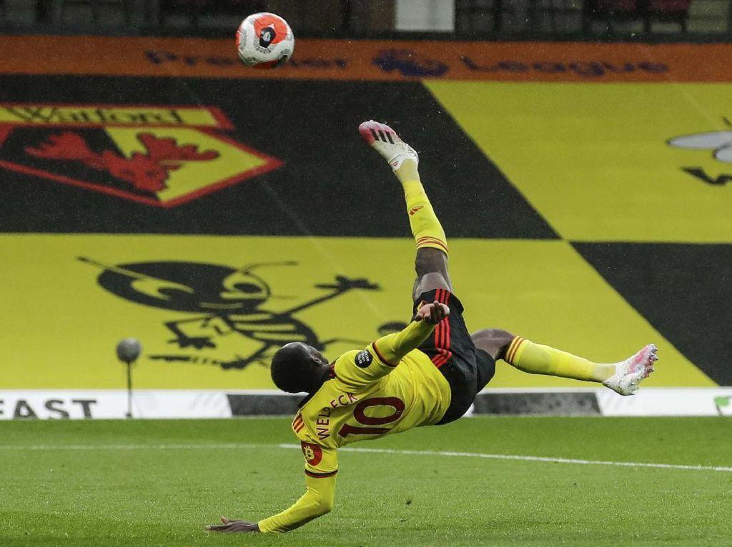 Melihat Gol Indah Danny Welbeck yang Beri Watford Kemenangan