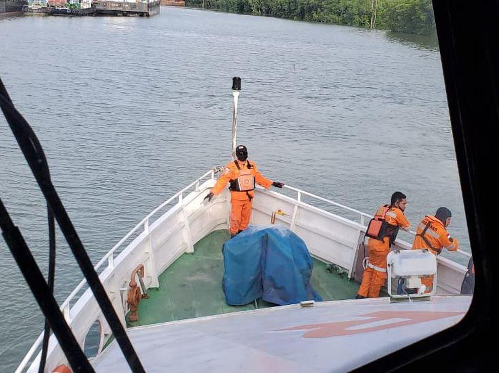 Diduga Mesin Rusak, 3 Nelayan Sudah 2 Hari Hilang di Selat Makasar