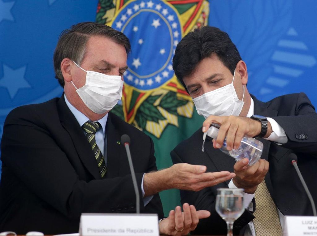 Corona di Brasil Masih Berkutat di Kalangan Pejabat