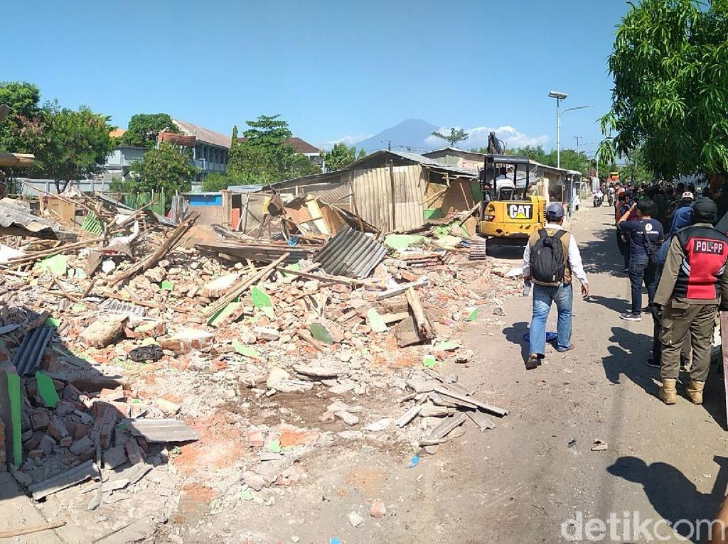 Usai Blok Jongor Dirobohkan, Satpol PP Cirebon Awasi Dua Lokalisasi Lainnya