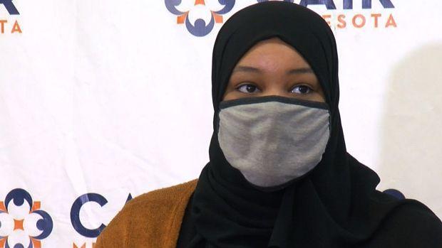 wanita muslim besi starbucks
