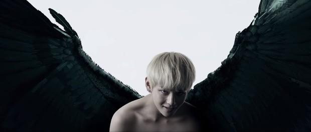 V dalam Black Swan BTS/ Foto: Koreaboo