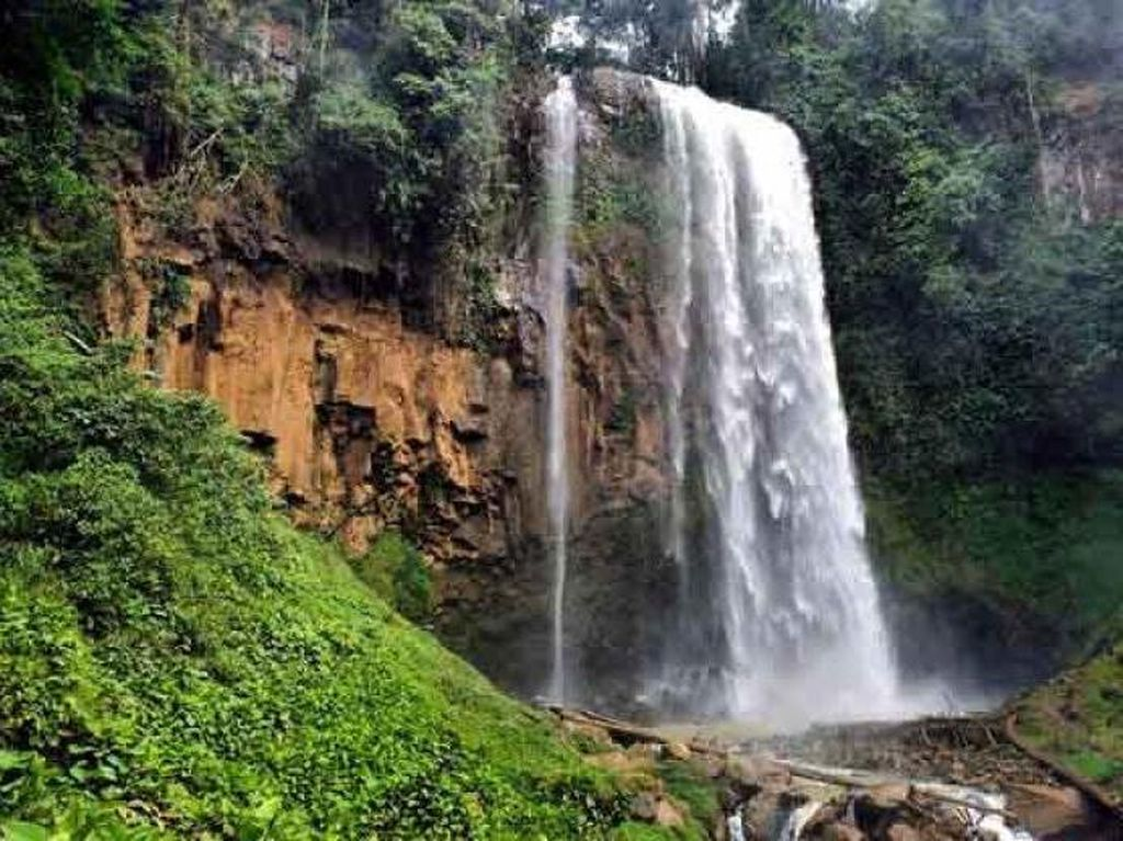 Air Terjun Semantung, Surga Tersembunyi di Lampung