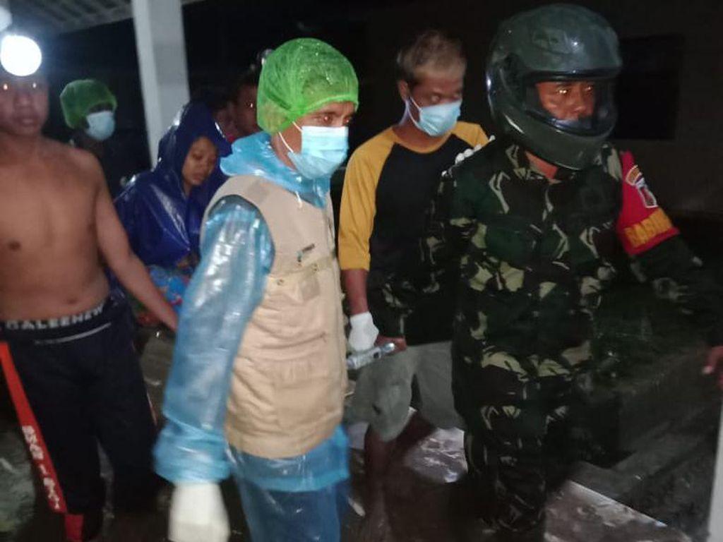 Video RSUD Torabelo Sigi Diterjang Banjir, Pasien Panik