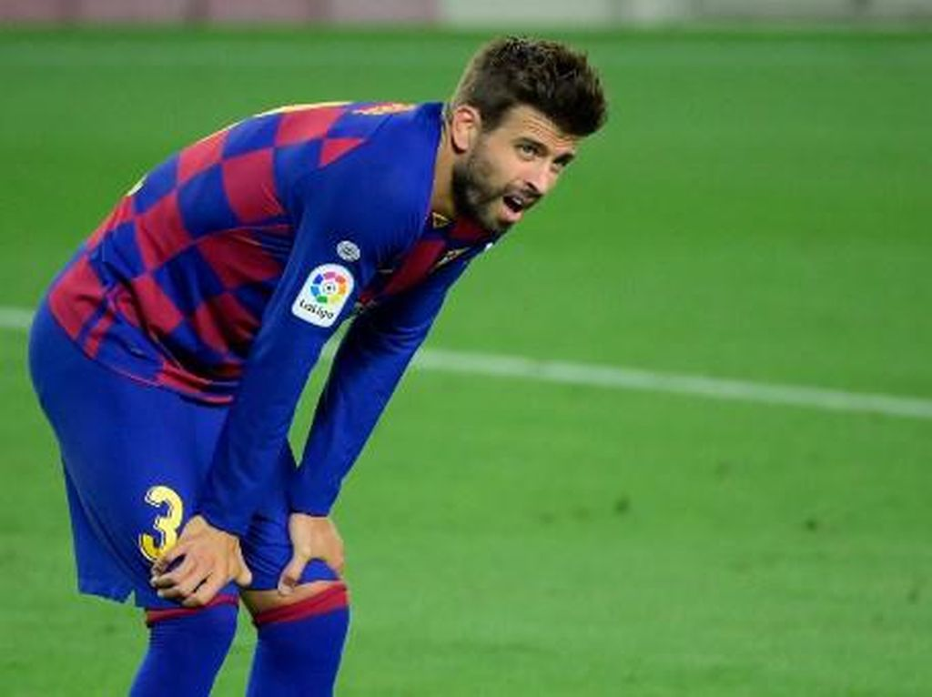 Barcelona Vs Espanyol: Gerard Pique Tepuk Tangan Sindir Wasit