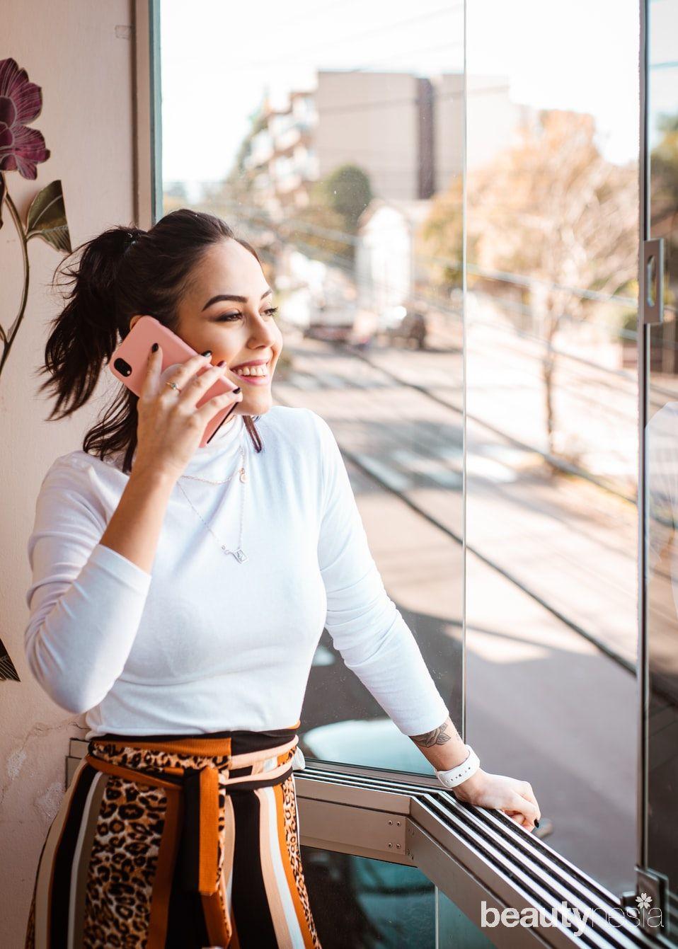 Untuk mengatasi Zoom fatigue, ahli menyarankan agar mematikan kamera dan menyeimbangkan lewat panggilan telepon atau suara.