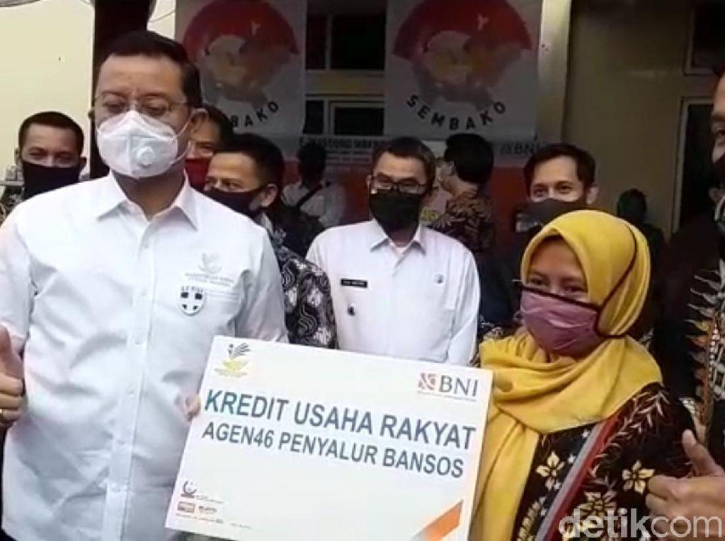 Pantau Penyaluran BST di Sukabumi, Mensos Persilakan Kalau Ada Revisi Data