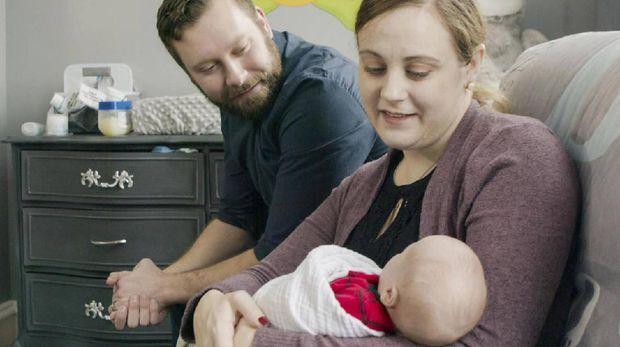 Meski divonis tidak dapat memiliki anak kandung sendiri, Jennifer pada akhirnya melakukan transplantasi rahim demi bisa memiliki anak, Bunda.