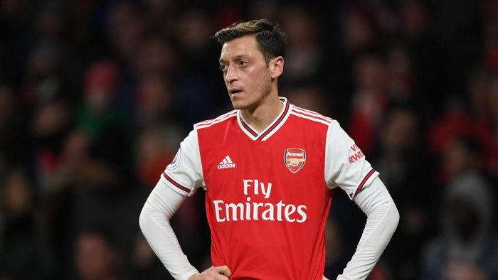 LONDON, ENGLAND - NOVEMBER 23:  Mesut Ozil of Arsenal during the Premier League match between Arsenal FC and Southampton FC at Emirates Stadium on November 23, 2019 in London, United Kingdom. (Photo by Shaun Botterill/Getty Images)