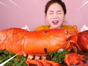 Langsung Kenyang! Mukbang Lobster Raksasa Seberat 7,5 Kilogram