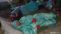 Curhat Polisi Makamkan 70 Jenazah COVID-19 hingga Tertidur di Kuburan