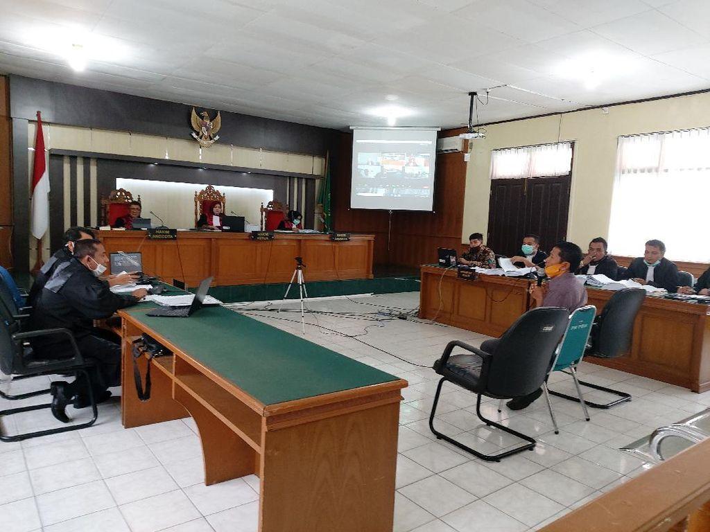 Hakim Cecar Ketua DPRD Riau soal Uang Ketok Palu di Sidang Bupati Bengkalis