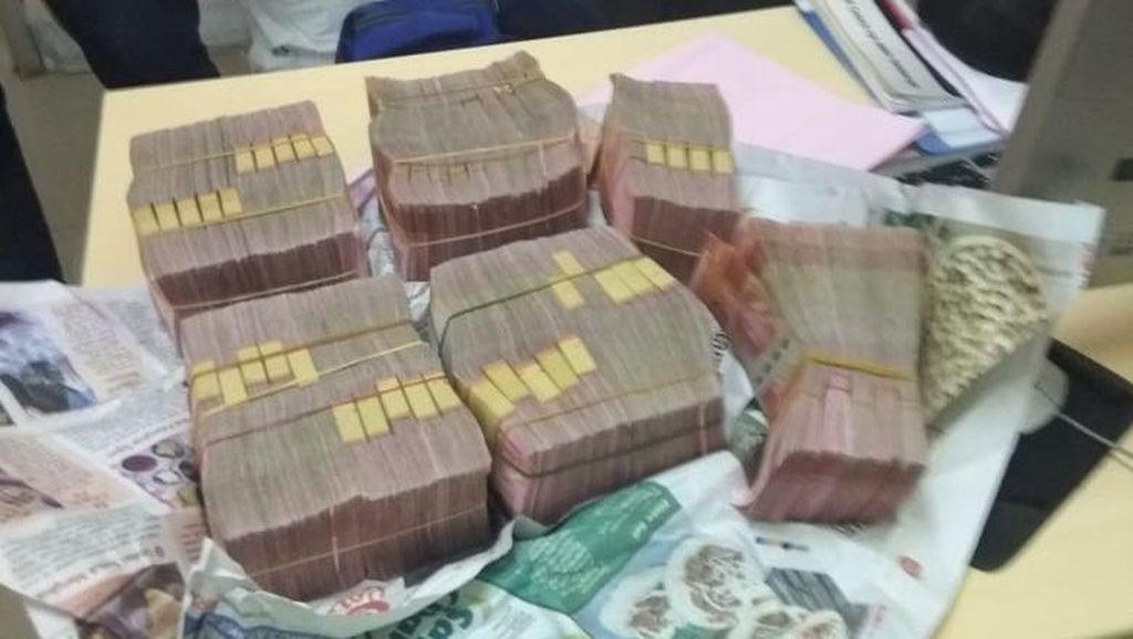 Ini Penampakan Uang Rp 500 Juta yang Ditemukan di KRL Bogor