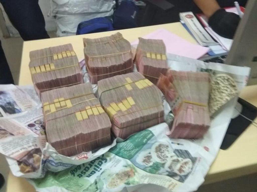 3 Hadiah Buat Petugas KRL yang Temukan Uang Rp 500 Juta