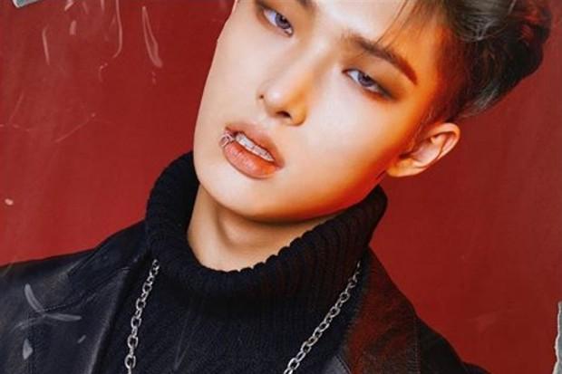 Mingi ATEEZ adalah salah satu idol K-Pop yang pakai tindik bibir