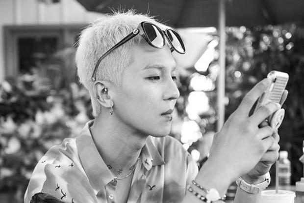 Mino WINNER adalah salah satu idol K-Pop yang pakai tindik bibir