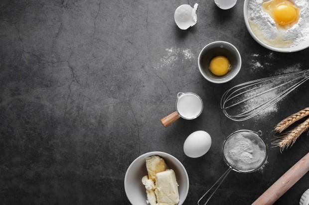 Komposisi Churros meliputi telor, tepung terigu, mentega