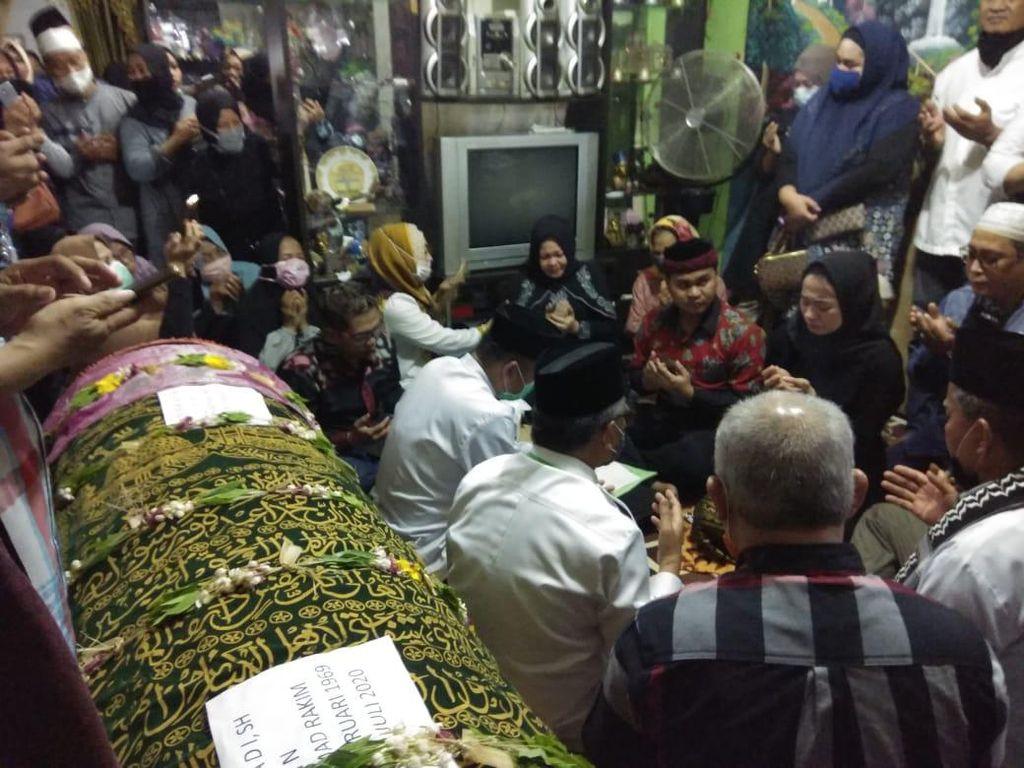 Putra Ketua DPRD Samarinda Gelar Akad Nikah di Depan Jenazah Ayahnya