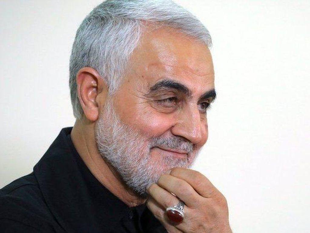 Warga Irak Mengenang Setahun Kematian Jenderal Soleimani